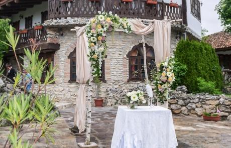 Сватбена арка за изнесен ритуал